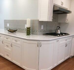 grey tile backsplash, quartz counter tops, white cabinet, bright, modern, airy, Mountain view
